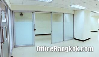 Office Space for Rent on Sukhumvit with Partly Furnished close to Nana BTS Station