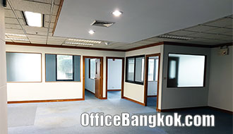 Office for Rent with Partly Furnished on Sukhumvit Road close to BTS Station