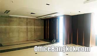 Rent Office with Partly Furnished close to BTS Asoke