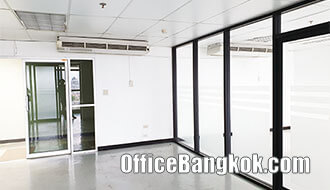 Rent Partly Furnished Office 80 Square Metre near Ekamai BTS Station