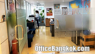 Rent Office with Partly Furnished size 130 Square Metre near Phetchaburi MRT Station