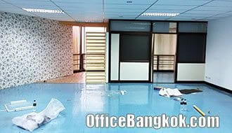Small and Cheap Office Space with Partly Furinshed on Rama 4 nearby Hua Lamphong MRT Station