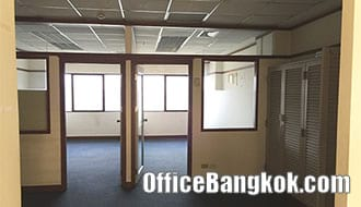 Small and Cheap Furnished Office Space for Rent on Asoke nearby Phetchaburi MRT Station